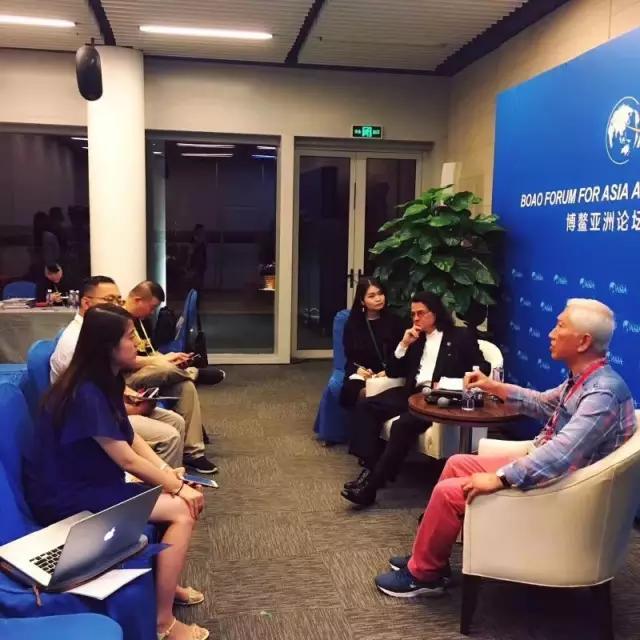 广东省商业美术设计行业协会高级顾问柳冠中先生应邀参加博鳌亚洲论坛
